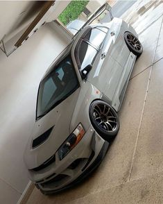 Love these Evos! Check also our website for Lancer Evo videos! Mitsubishi Lancer Evolution, Best Jdm Cars, Evo 8, Street Racing Cars, Auto Racing, Mitsubishi Motors, Tuner Cars, Japan Cars, Modified Cars