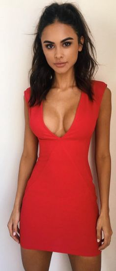 The 'Erica' dress shop via link in bio / #tigermist @tigermistloves