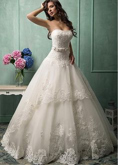 Glamorous Tulle & Lace Sweetheart Neckline Dropped Waistline Ball Gown Wedding Dress With Lace Appliques