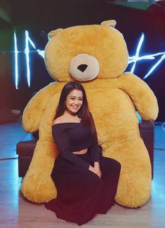 New style Neha kakkar Beautiful Girl Photo, Cute Girl Photo, Sweet Girls, Cute Girls, Neha Kakkar Dresses, Designer Party Wear Dresses, Cute Princess, Shraddha Kapoor, Indian Beauty Saree