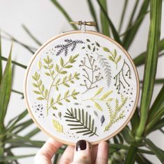 Embroidery by Daria Roozen (Nine Homes) Please follow me here: www.instagram.com/nine_homes/ #embroidery #contemporary #art #hoop #hoopart #dsm #stitching #modern #handmade #plants #craft #houseplants #green