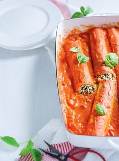 Spinach and Ricotta Cannelloni with Rosé Sauce Best Vegetarian Recipes, Healthy Recipes, Pasta Recipes, Soup Recipes, Cannelloni Recipes, Ricardo Recipe, Food Is Fuel, Freezer Meals, Sauces