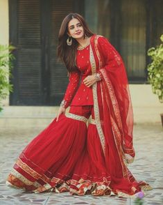 Shadi Dresses, Pakistani Formal Dresses, Indian Gowns Dresses, Pakistani Dress Design, Pakistani Outfits, Beautiful Pakistani Dresses, Pakistani Fashion Party Wear, Pakistani Clothing, Punjabi Fashion