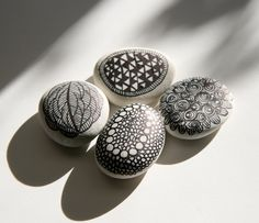 This is definitely Zentangling! Art stones by Leanne Thomas, set of 4, AUS$16.00.