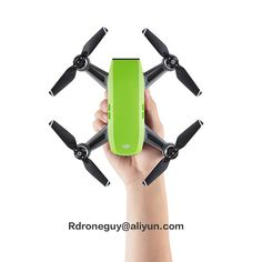Who has two thumbs and can pilot a drone? The Spark, a new pint-size drone from Chinese manufacturer DJI, was announced yesterday at an event in New York's Grand Central station. Drones, Drone Quadcopter, Drone With Hd Camera, Mini Camera, Dji Spark, Parrot Ar Drone, Pilot, Micro Drone, Professional Drone
