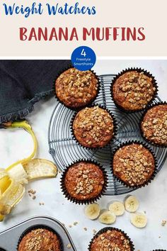 These Banana Muffins with their deliciously sweet crunchy streusel topping are just 4 Smart Points per serving on Weight Watchers Blue, Green, Purple Weight Watcher Cookies, Weight Watchers Breakfast, Weight Watchers Desserts, All Recipes Banana Bread, Healthy Banana Muffins, Ww Desserts, Sweet Desserts, Dessert Recipes, Easy Homemade Recipes