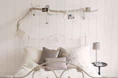 Finding surprise gifts in the Scandinavian bedroom! [From: Dulux Amazing Space] Exterior Colors, Interior And Exterior, Shake, Dulux Valentine, Paint Color Chart, Dulux Paint, Scandinavian Bedroom, Reclaimed Wood Furniture, Piece A Vivre
