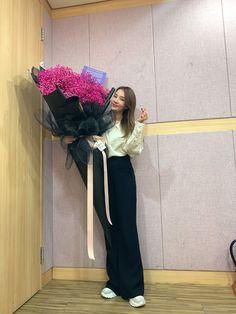 Multimedia, 2ne1 Dara, Sandara Park, Fandom, Twitter Update, Bridesmaid Dresses, Wedding Dresses, Yg Entertainment, Singer