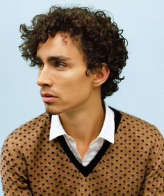 Robert Sheehan Photographed by Matteo Monatanari Robert Sheehan, Beautiful Person, Beautiful Boys, Pretty Boys, Beautiful People, Hello Gorgeous, Simon Lewis, Celebrity Crush, Pretty People