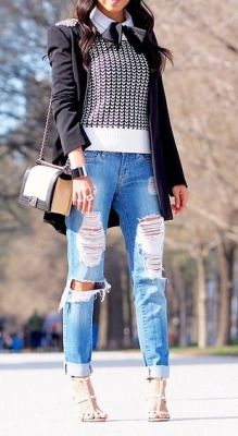 Loving those ripped jeans!