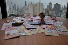 Para una niña, las muñecas son un mundo maravilloso y pueden ser su tarjeta de presentación.