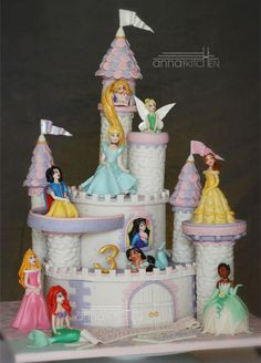 cake themes | Cake Canvas Anna's themed cake Cochin Disney Princes