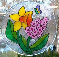 Gallery Glass Stained glass effect - so fun and easy to DIY this for spring! #plaidcrafts