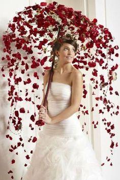 mariee avec ombrelle fleurie rose