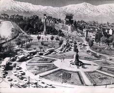 Plaza Baquedano, Santiago de Chile, 1964 Old Pictures, Old Photos, Cities, Paris Skyline, Rome, City Photo, Dolores Park, Plaza, Travelling