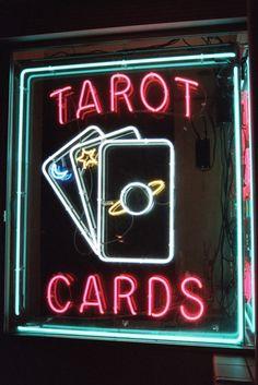 leelahel:  Working as a fortune teller is so rewarding.