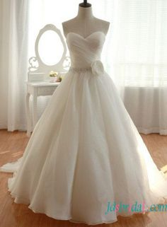 Simple sweetheart organza ball gown wedding dress for sale