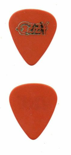 Fake Ozzy pick Musicade ,not aa randy Rhoads..And there is a yellow one that is the real one..And its even diputed..this Pick is Musicade..made by private promo company