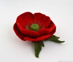 Брошь Красный мак Валяный цветок мак Брошь из шерсти Брошь для женщины – купить или заказать в интернет-магазине на Ярмарке Мастеров | Брошь Красный мак . <br /> <br /> Сделана,в…