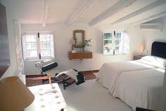 este dormitorio vintage, está lleno de luz y calidez