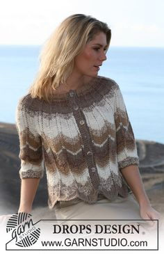 """Ladies' Cardigan Knitting Pattern with Zigzag Design and Raglan Sleeve in DROPS """"Alpaca"""" and """"Cotton Viscose"""" - FREE Knitting Pattern Crochet Coat, Crochet Blouse, Knitted Poncho, Crochet Clothes, Poncho Knitting Patterns, Knit Patterns, Drops Design, Summer Knitting, Free Knitting"""