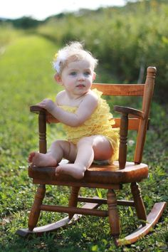 I will use my old rocker for this picture someday! I used to bring out into the living room along with an arm full of books sit next to my Papa and read together. love the memories Chair Photography, Children Photography, Newborn Photography, Portrait Photography, Photography Ideas, Birthday Pictures, Baby Pictures, Baby Photos, Cute Pictures