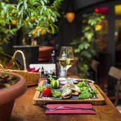 Bu akşam kendinize lezzetli bir balık ısmarlayın, tadı damağınızda kalacak nefis bir şarap ile... Haftanın yorgunluğunu atma vakti geldi! #corinnehotel #corinnebrasserie #happyfriday http://www.corinnehotel.com/blog/