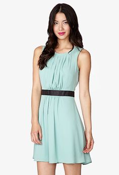 Essential Pleated Chiffon Dress | FOREVER 21