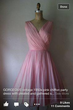 Gorgeous vintage party dress!