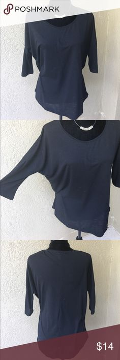 """🔴SALECottonOn black dolman 3/4 length sleeve tee Casual and comfortable this black dolman 3/4 length sleeve tshirt goes with everything. GUC- light pilling hardly noticeable see zoomed in close up pic Bust. 23.5"""" length 24.5"""" ✅I ship same or next day ✅Bundle for discount Cotton On Tops Tees - Short Sleeve"""