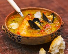 Fish soup by Jamie Oliver Dutch Recipes, Fish Recipes, Seafood Recipes, Great Recipes, Soup Recipes, Cooking Recipes, Favorite Recipes, Fish Soup, Good Food