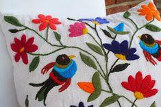 México es un paraíso de artesanías y de color. Una de mis favoritas es el bordado que se hace en Tenango de Doria, en el estado de Hidalg...