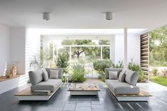 Sleek and Sophisticated Manutti Outdoor Furniture | Home Design Lover
