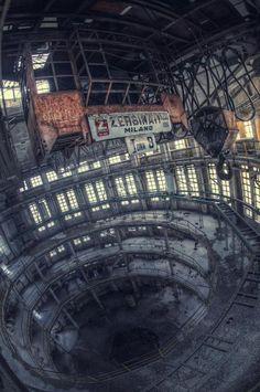 le declin de l'industrie by Aurelien Villette
