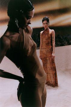 цвет Roman Photo, Fashion Photography Inspiration, Inspiration Mode, Fashion Poses, Editorial Fashion, Designer, Fashion Beauty, Woman Fashion, Portrait Photography