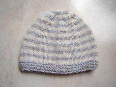 2668d499b220 Bonnet marin, taille 1 mois pour bébé Chap2. Tuto gratuit. Tricot Bonnet  Naissance