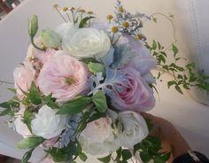Rose inglesi, lisianthus e camomilla by Profumo di Fiori con Il Matrimonio Italiano