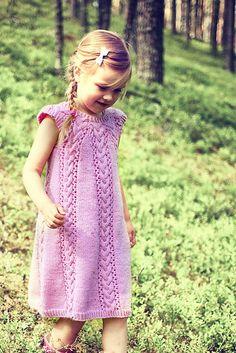 Ravelry: Girl's Dress Novita 7 Veljestä pattern by Sisko Sälpäkivi Kids Knitting Patterns, Intarsia Patterns, Lace Patterns, Knitting For Kids, Free Knitting, Baby Knitting, Knitted Baby, Girls Knitted Dress, Knit Dress