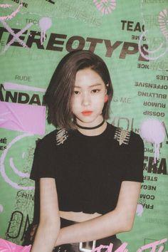 Kpop Girl Groups, Korean Girl Groups, Shin, New Girl, K Idols, South Korean Girls, Photo Cards, Twitter, Rapper
