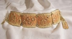 Gorgeous reversed carved peach skin coral color Bold flower panel Bracelet Japan