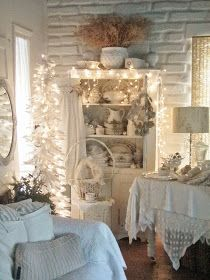 6 Creative And Inexpensive Tricks: Vintage Home Decor Projects vintage home decor ideas shabby chic.Vintage Home Decor Kitchen Laundry Rooms vintage home decor shabby brocante.Vintage Home Decor Gothic Dream Houses. Country Chic Cottage, Shabby Chic Cottage, Vintage Shabby Chic, Shabby Chic Homes, Vintage Home Decor, Diy Home Decor, Cottage Style, White Cottage, Furniture Vintage