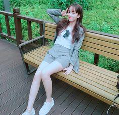kim so hyun Girls Fashion Clothes, Girl Fashion, Fashion Outfits, Asian Woman, Asian Girl, Kim So Hyun Fashion, Kim Sohyun, Korean Actresses, Soyeon