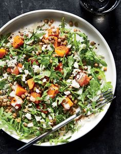 Autumn Glow Salad | Lentils are among the most humble and nutritious pantry items you could find. These protein-packed legumes pair wonderfully with roasted butternut squash and peppery arugula to deliver a plant-powered salad boasting over 50% of your daily fiber and one-third of your daily potassium goal. Butternut squash is an excellent source of eye-healthy vitamin A, and a good source of immune-boosting vitamin C and blood pressure supporting potassium.