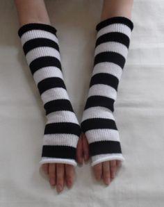 Knit fingerless gloves black and white arm by kristineshopforyou