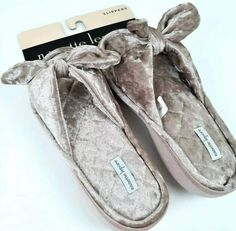 Pin on Shop from Home Chanel Ballet Flats, Ballet Shoes, Hip Hop Party, Credit Card Wallet, Kids Backpacks, Nanette Lepore, Latest Fashion For Women, Fashion Accessories, Slippers