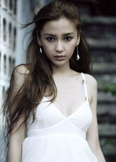 Angela Yeung (born 28 February 1989 in Shanghai), better known by her stage name Angelababy.