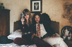 in-bed-jim-morrison-pamela-courson-kucy-in-desguise-look-book