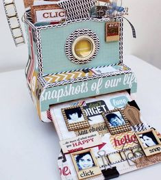 I stumbled across these mini albums in the shape of cameras and had to share! So unique and a perfect way to present a mini-album as a gift (say for example Mother's Day). The DIY version above was made by Angela from the Maya Road team. Mini Albums Photo, Album Photo, Mini Album Scrapbook, Scrapbook Cards, Mini Album Tutorial, Simple Stories, Smash Book, Mini Books, Diy Gifts