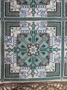 Blackwork, Cross Stitch Patterns, Needlework, Embroidery Designs, Mandala, Projects To Try, 1, Diy Crafts, Quilts