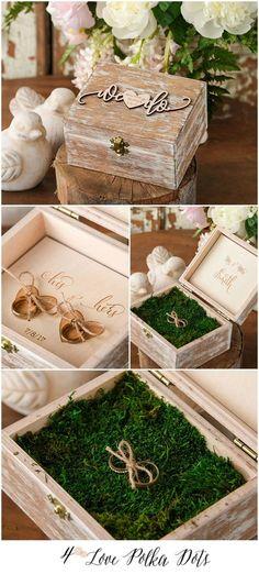 Ringe müssen ja nicht immer aufs Kissen. Diese kleine Holzkiste im Boho Look ist eine schöne Alternative.